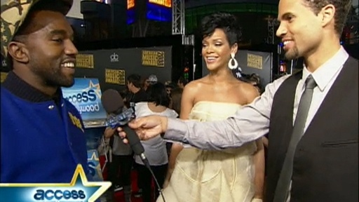 [Kanye West And Rihanna At The AMAs]