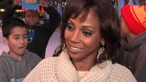 Holly Robinson Peete Celebrates a Season of Giving Video