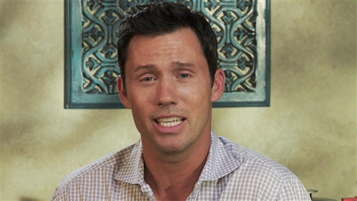 [Jeffrey Donovan Answers Fan Questions]