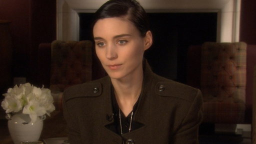 [Rooney Mara Dishes On Her 'Girl With the Dragon Tattoo' Transfor]