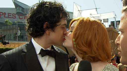2011 Emmy Awards Red Carpet: Are Kids in Christina Hendricks' Fu Video