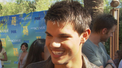 Taylor Lautner Talks Meeting Lea Michele & His Praise from Mark Video