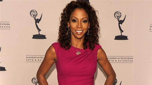 [Holly Robinson Peete: Bret Michaels Is a 'Lovely Person']
