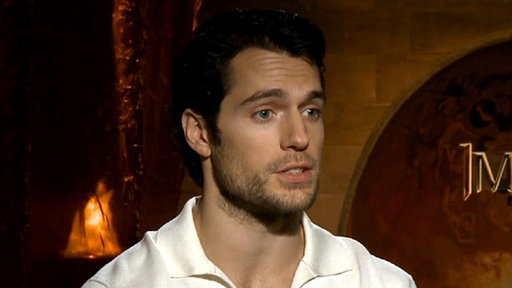 [Henry Cavill Gets Shirtless for 'Man of Steel']
