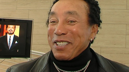 Smokey Robinson On Aretha Franklin's Cancer Battle: 'She's Doing Video