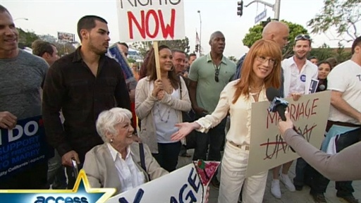 [Kathy Griffin and Her Mom Protest California Supreme Court's Pro]