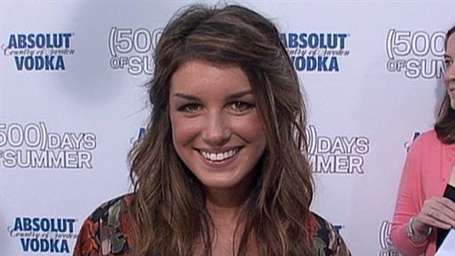 [Shenae Grimes Gives the Scoop On '90210' New Season]