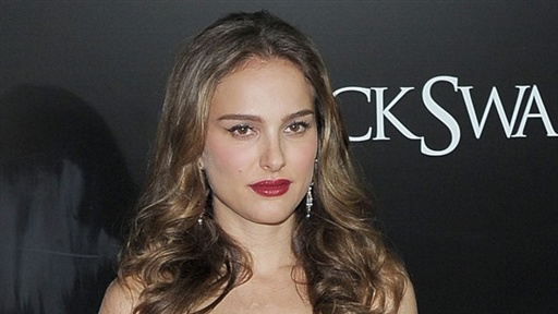 [Natalie Portman Reacts: James Franco a Good Choice to Host the O]