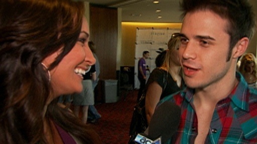 [Kris Allen Answers Fan Questions]