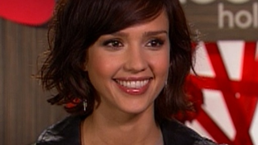 [Jessica Alba On 'Valentine's Day': Kissing Ashton Kutcher Was 'W]