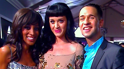 [2010 Grammys Red Carpet: Katy Perry Goes Crazy for 'the Situatio]