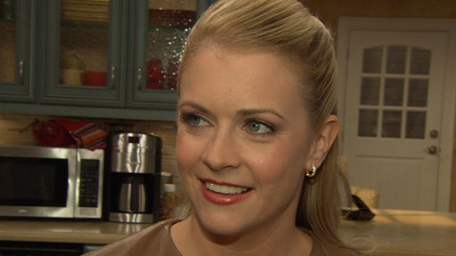 Melissa Joan Hart Takes the Reigns On 'Melissa & Joey' Video