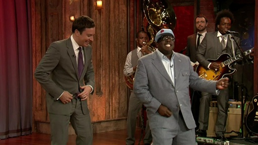 Cedric the Entertainer Entertains Video