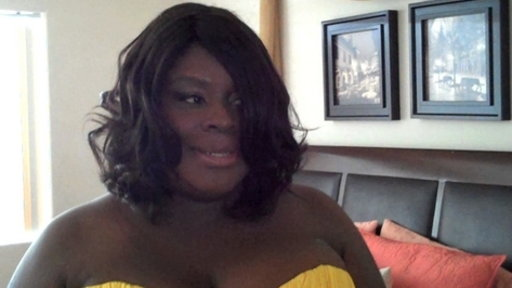 Retta Goes Glam Video