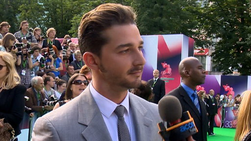 Shia LaBeouf &amp; Rosie Huntington-Whiteley&#39;s &#39;Transformers: Dark O Video
