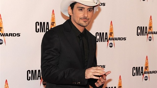 [Brad Paisley Makes Jokes at Kanye's Expense at 2009 CMA Awards]