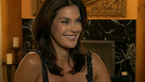 How Does Teri Hatcher Stay In Shape? Video