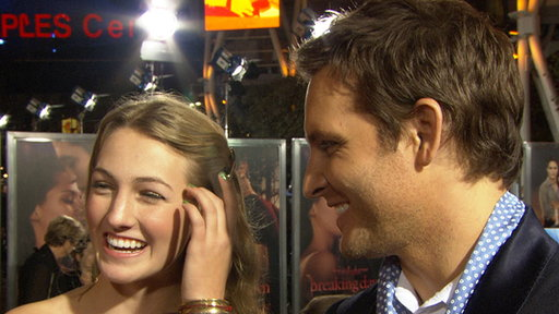Peter Facinelli Makes It a Family Affair at the 'Breaking Dawn - Video