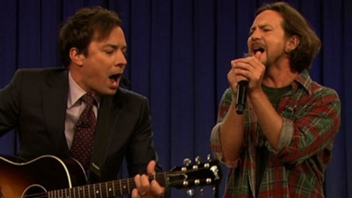 [Jimmy and Eddie Vedder Sing 'Balls in Your Mouth']