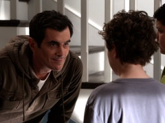 Modern Family: Leap Day - Watch the full episode now.