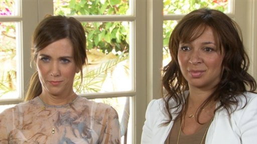 Kristen Wiig & Maya Rudolph Laugh It Up in 'Bridesmaids' Video