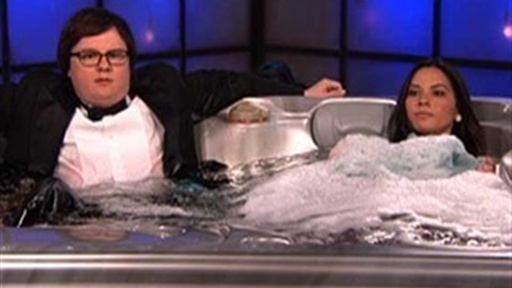 Clark Duke and Olivia Munn&#39;s Hot Tub Time Machine Video