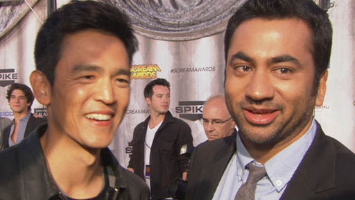 John Cho &amp; Kal Penn Talk &#39;A Very Harold &amp; Kumar 3D Christmas&#39; Video