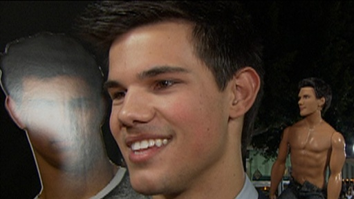Taylor Lautner Hits the 'New Moon' LA Premiere Video