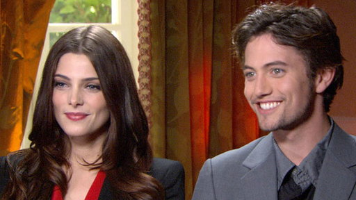 [Ashley Greene & Jackson Rathbone Talk 'The Twilight Saga: Breaki]