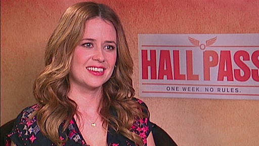 Jenna Fischer Gets a 'Hall Pass' Video