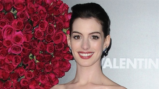 Anne Hathaway: 'I'm Going to a Wedding' for 'Valentine's Day' Video
