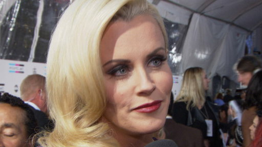 [2011 AMAs Red Carpet: What Is Jenny McCarthy Looking for in a Ma]