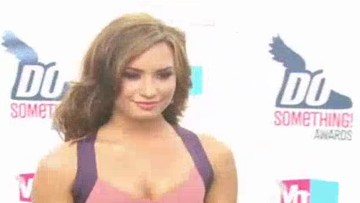 demi lovato 2011_07. VIDEO: Demi Lovato#39;s Mom Goes