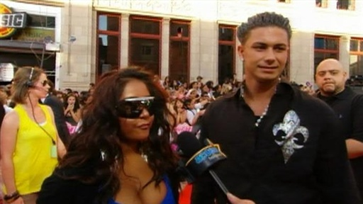 [2010 MuchMusic Video Awards: Snooki and Pauly D Soak up the Cana]