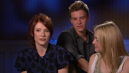 Bryce Dallas Howard, Xavier Samuel and Dakota Fanning Are Excite Video