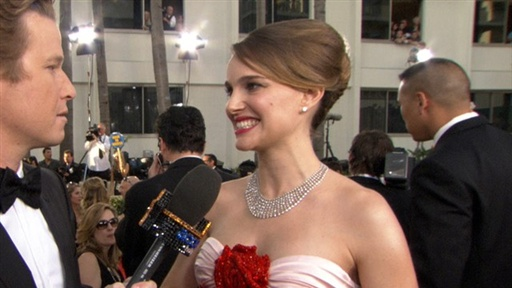 2011 Golden Globes: Pregnant Natalie Portman's Golden Glow! Video