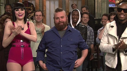 [SNL Backstage: Zach Shaves His Head]