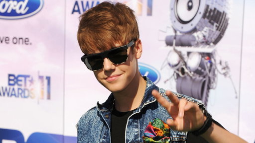 [It's Bieber Fever At The 2011 BET Awards]