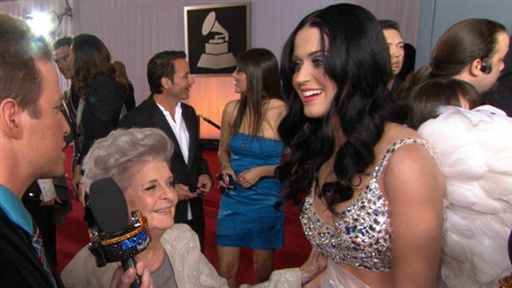 2011 Grammy Awards: Did Katy Perry's Grandma Think That 'I Kisse Video
