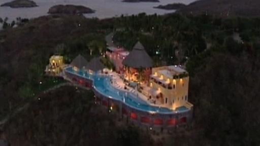 Cancun nudist couple hotel. nudist, naked, nudist man, nudist woman, nude, ...