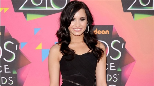 2010 Kids' Choice Awards: Demi Lovato, Joe Jonas Is 'Amazing' an Video