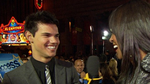 Taylor Lautner: &#39;Valentine&#39;s Day&#39; Without Taylor Swift Is a &#39;Bum Video