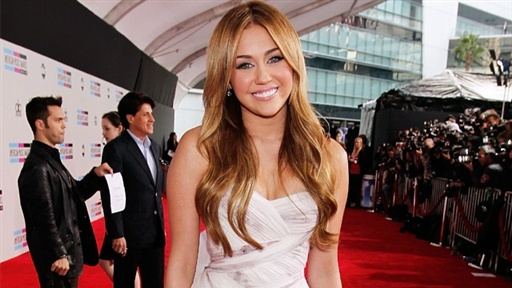 [2010 American Music Awards: Miley Cyrus' 18th Birthday Plans!]