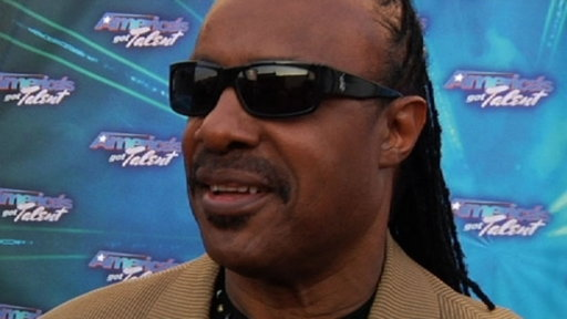 [Finale Red Carpet: Stevie Wonder]
