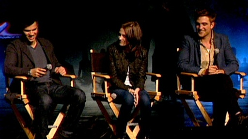 'Twilight' Convention: Fans Go Crazy for Robert, Kristen & Taylo Video