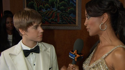[2011 Grammy Awards Backstage: Justin Bieber Leaves Empty-Handed]