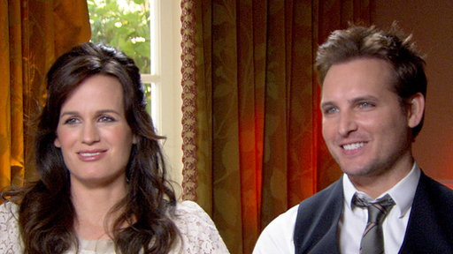 [Peter Facinelli & Elizabeth Reaser Talk Filming 'The Twilight Sa]