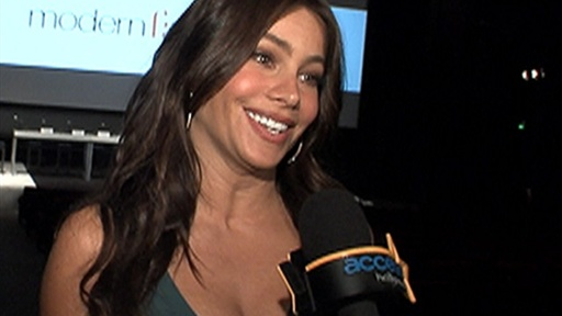 [Sofia Vergara Talks 'Modern Family' Live Table Read & Streaking ] Video
