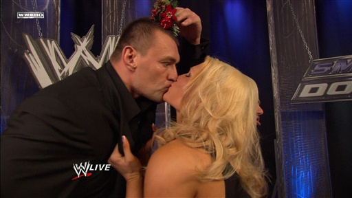 [Vladimir Kozlov Steals a Kiss from Beth Phoenix]