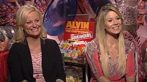[Amy Poehler and Christina Applegate 'Squeak' Over 'Chipmunks']